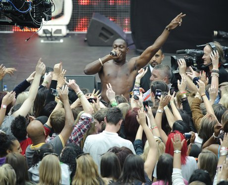Photos of the Week Dizzee Rascal