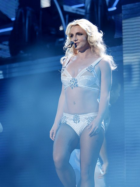 britney-spears-femme-fatale-tour--130831