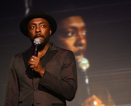 Will.i.am singing live