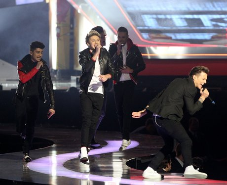 One Direction live at the BRIT Awards 2013