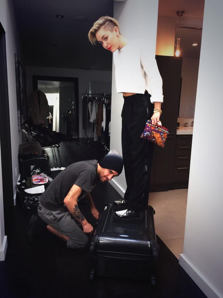 Miley Cyrus posts photo of her packing for Amsterdam
