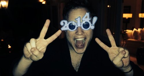olly murs wearing 2014 glasses