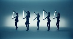 The Saturdays - 'Not Giving Up' Official Video sti