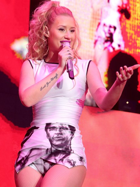 Iggy Azalea performs live in America