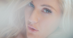 Ellie Goulding Love Me Like You Do Still
