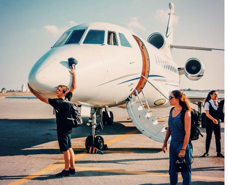 Martin Garrix Is LOVING His Jetsetting Lifestyle So Much So He39s Huggi
