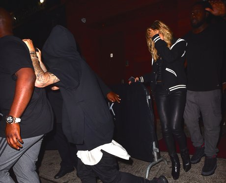 Hailey Baldwin and Justin Bieber hide