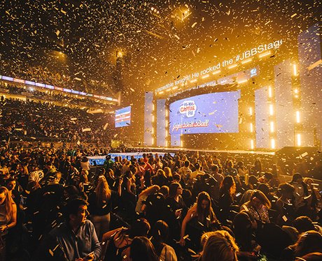 Jingle Bell Ball Crowd - Justin Bieber