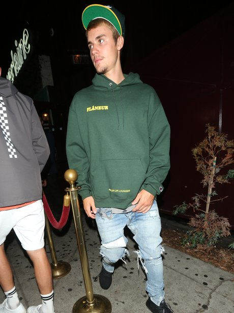 Justin Bieber goes to a nightclub with his pastor